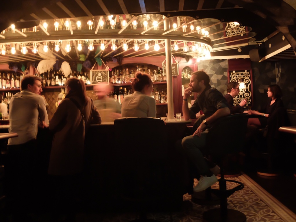 Hookup in the dark restaurant london