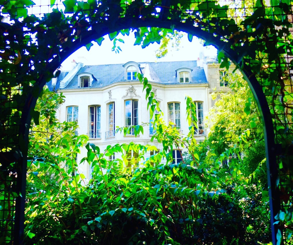 jardin-Archives-Nationales-paris