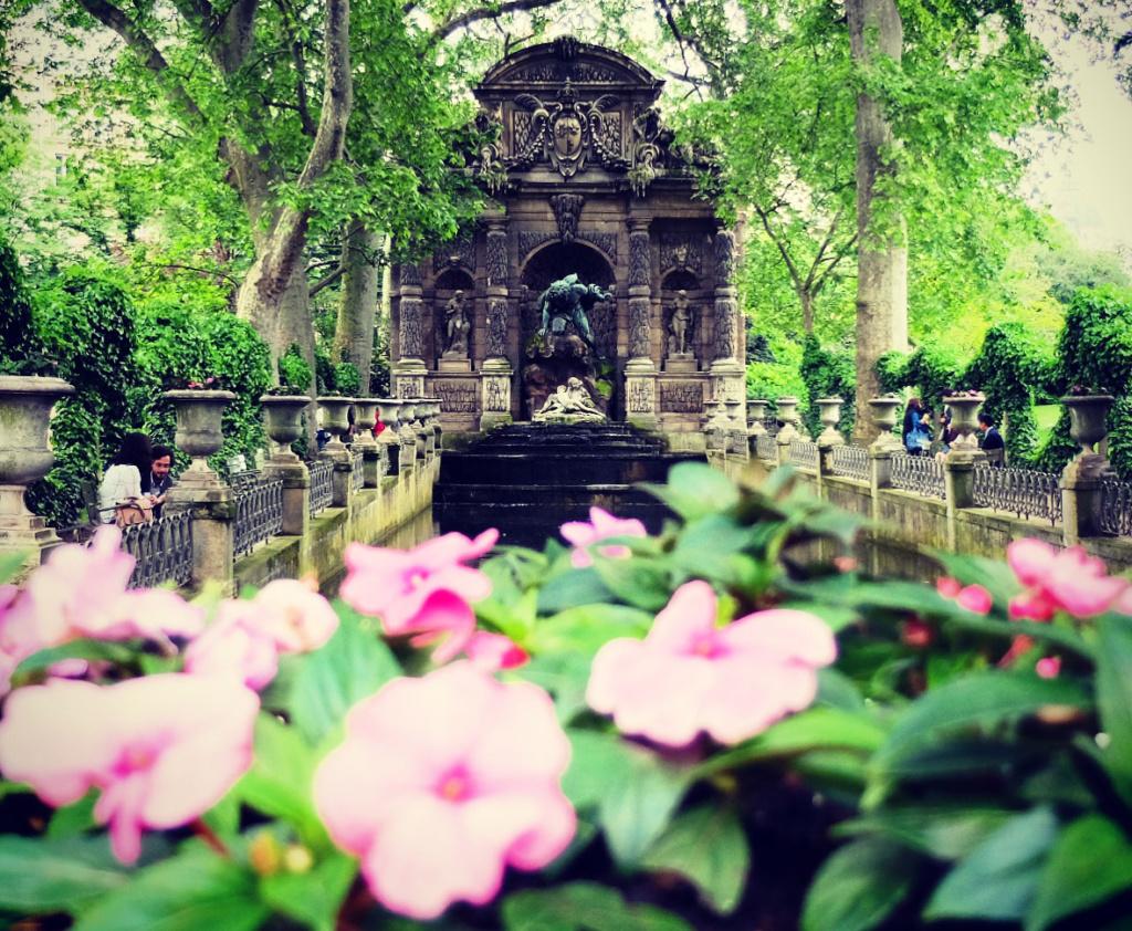 Most Romantic Gardens Parks In Paris