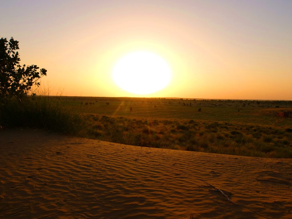 sunset-sam-dune-thar-desert