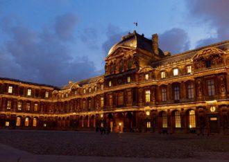 Cour-Carrée-Night-Louvre-Paris