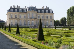 Skip Versailles and Go to These Amazing Castles Near Paris Instead