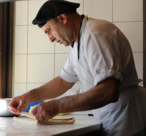 Greek-pastrymaker