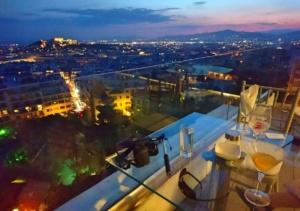 Rooftop-Bar-athens