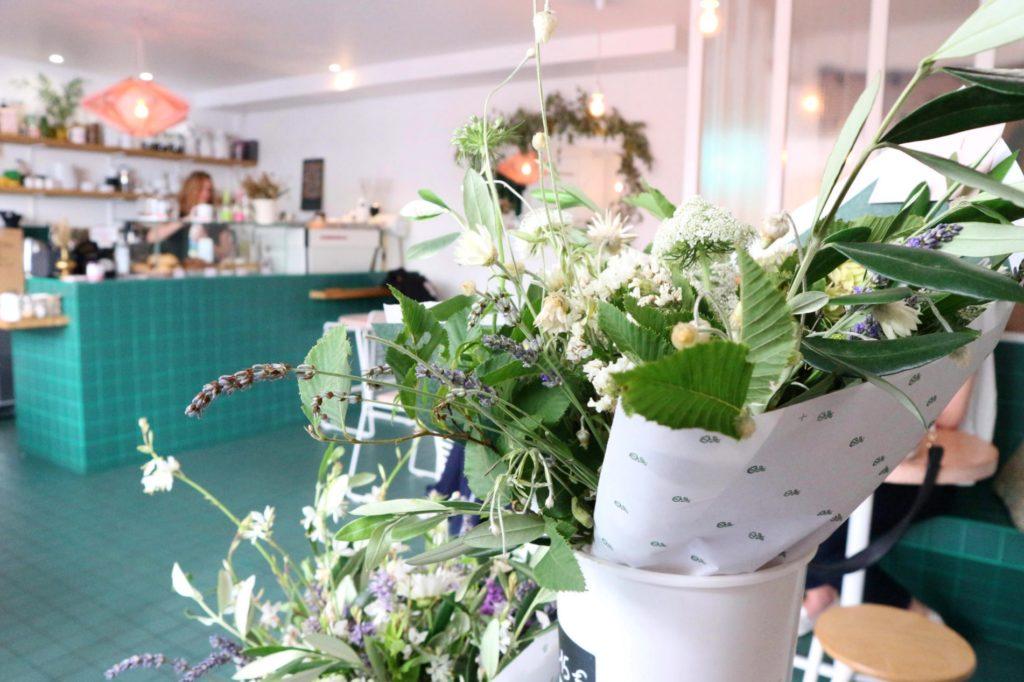 Peonies-coffee-shop-paris