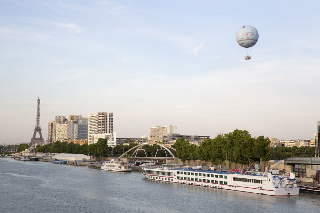 Ballon Generali and the Eiffel Tower c. Aero4