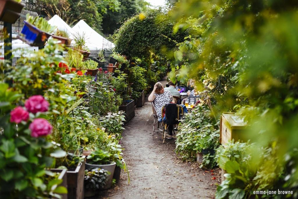 Jardin Ruisseau Paris 18