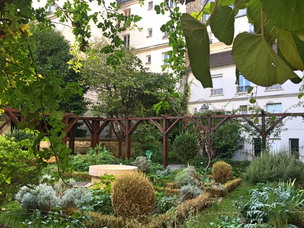 jardin des Abbesses Paris 75018