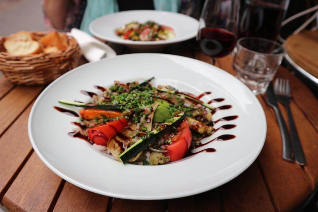 Suzanne Restaurant Paris 18