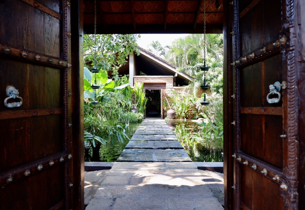 Reef Villa and Spa entrance